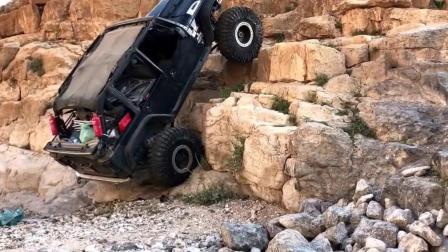 国外牛人驾驶吉普车玩越野, 车好技术更好!