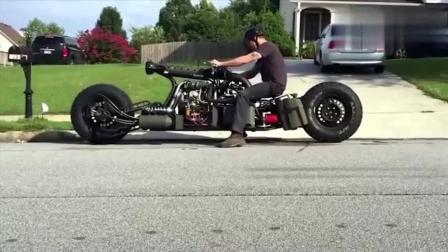 这是一个奇怪的摩托车, 你喜欢吗?