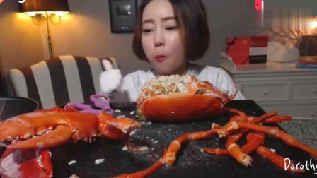 韩国美女大胃王吃巨型虾头, 这吃相是多久没吃饭