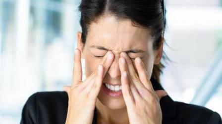 夏天眼睛容易疲劳 多吃这3种水果 养护眼睛 改善视力