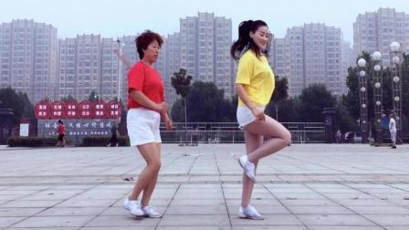 青青世界广场舞 教你跳老少都能跳的鬼步舞 28步鬼步舞
