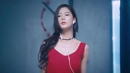 韩国美女地下室跳舞自己不知道被屌丝看到, 真是
