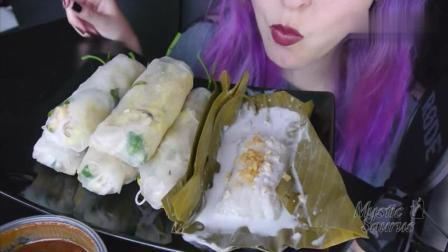 韩国美女吃糯米春卷, 大口大口的吃, 看着好想吃