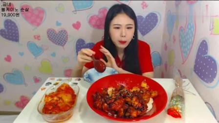 韩国美女吃一盘烤肉拌饭+泡菜, 光看着都好想吃