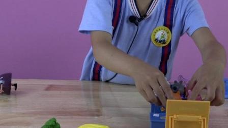 上课之粉红猪玩具总动员过家家玩黏土