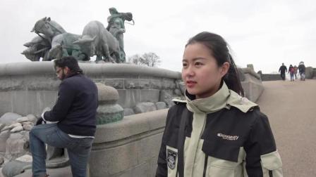 妹子去歐洲旅游, 發現這些印度人太愛自拍了, 還站的那么高拍照