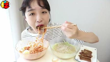 韩国大胃王美女, 狂吸两大碗冷面, 炎热的夏天这
