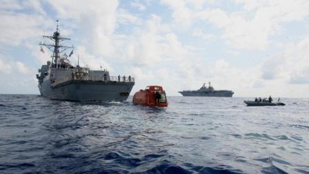 索马里海盗抢美国军舰, 结果被狠狠收拾一顿