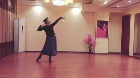 美久广场舞 新舞蹈 红豆红 教学分解视频表演示范