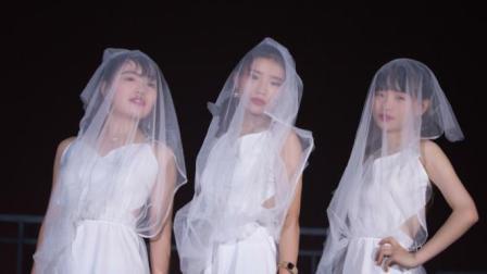 点击观看《单色舞蹈 唯美可爱的婚纱舞》