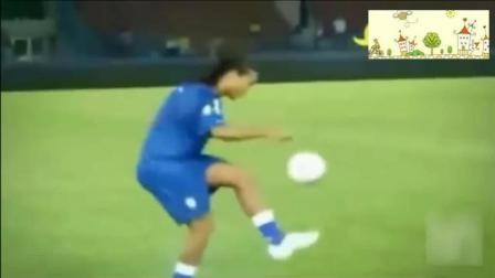 花式足球就服罗纳尔迪尼奥, 小罗蒙着眼颠球都比