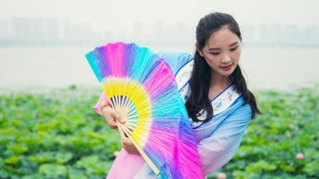 点击观看《单色舞蹈 清新唯美的樱花扇舞真仙》