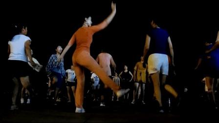 青青世界广场舞 三伏天晚上暴汗减肥瘦身教程 只为减掉小肚子