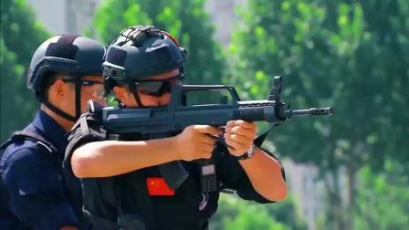 特警小姐姐98K最酷! 开局极地服, QBZ95步枪, M24狙击配八倍镜。大吉大利, 今晚吃鸡!