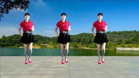 点击观看《最新广场舞16步自由步 心跳 好听好看 阿真广场舞》