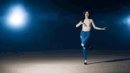 大长腿妹子跳 提线木偶 这身材真的符合韩舞标准