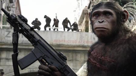 高智商大猩猩杀入城市, 抢夺军火还将人类关进笼子! 速看科幻电影《猩球崛起2》