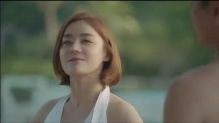袁姗姗罕见海滩泳装视频, 网友惊呼: 美臀相关的图片