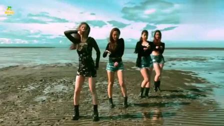 韩国美女海边热舞, 美景在此刻不如佳人美了!