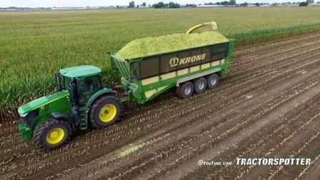 德国农民用大型农机收获玉米 青贮