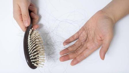 总是掉头发怎么办? 洗头时加厨房里的这两样东西, 头发越长越茂盛