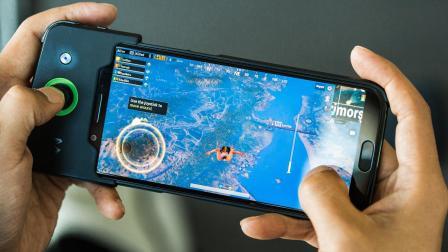 黑鲨手机对比iPhone8P,这游戏性能也太无敌了吧!