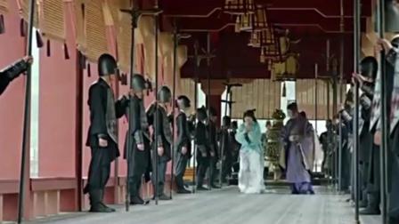 美女穿越到秦朝进秦王宫狂自拍, 把太监都看愣了