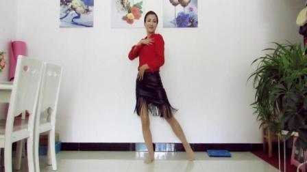 点击观看《神农舞娘广场舞 很好看很好听又美的舞蹈 感觉有点像草裙舞》