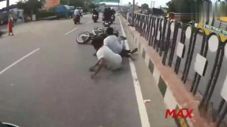 为啥骑摩托一定要戴头盔? 遇到这种情况时你就知
