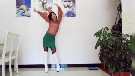 点击观看《神农舞娘广场舞 中国味道 好听的歌 好看的广场舞视频》