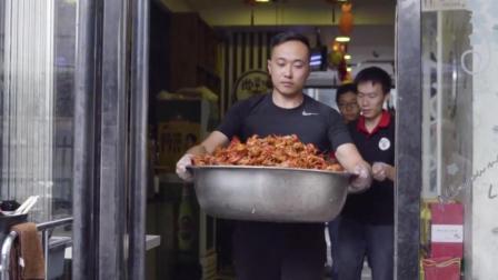 部队里出来的兵哥哥开的这家龙虾店, 味道太赞了!