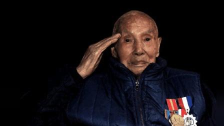 抗战老兵: 在战乱年代同父母分离, 回到家乡村民高喊: 欢迎回家!