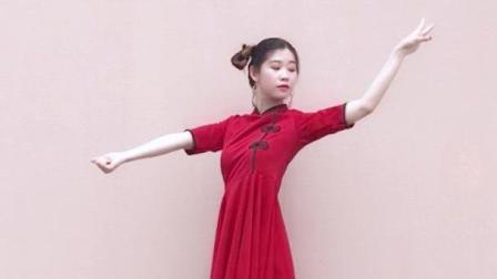 点击观看《十元酱舞蹈 极乐净土 蝴蝶步好看的宅舞视频》