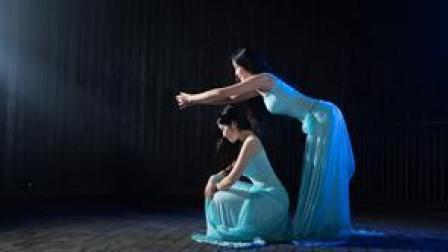 点击观看《肚皮舞双人舞也很有韵味》
