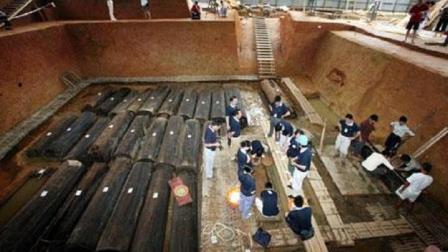 江西李家村考古发现: 出土2500年前古墓, 48口棺材
