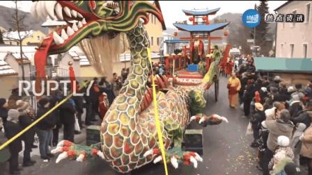 """德国巴伐利亚州又到了一年一度的""""中国节"""", 整个小镇都沸腾了"""