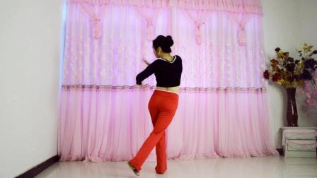 点击观看《优雅莹莹广场舞 语花蝶 穿上保暖裤跳广场舞》