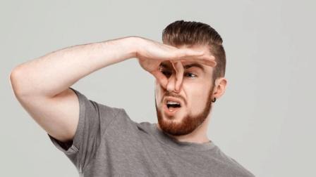 """经常捏鼻子能变""""高鼻梁""""? 也许我们想错了, 真相你别害怕"""