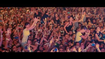 驚艷絕倫的酷玩樂隊現場 一曲《Fix You》讓觀眾熱淚盈眶!