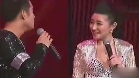 文松和老婆同台激情演绎, 网友: 老婆这么漂亮, 你驾驭得了吗?