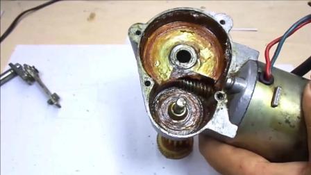 修复一台汽车挡风玻璃的雨刷电机齿轮