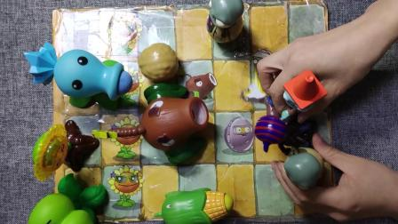 小骁骁玩玩具第13集《植物大战僵尸》