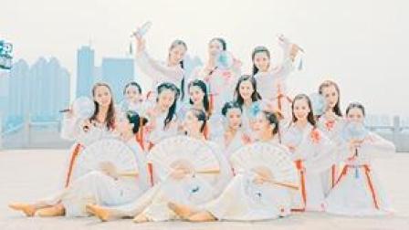 中国舞编舞《冠玉》,pick那个女扮男装的小姐姐!