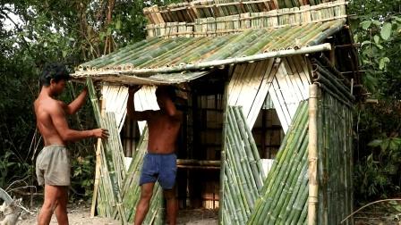 野外求生, 两兄弟户外搭建竹屋, 遮风挡雨完全没问题