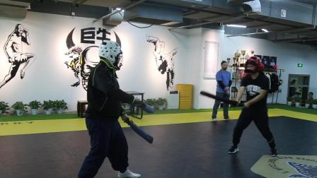 实战演示八斩刀对战双手剑, 哪个兵器更厉害。