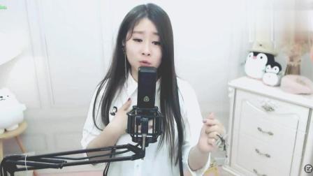 美女網紅菲兒火了, 演唱傷感歌曲錯過的情人, 感染了聽眾!