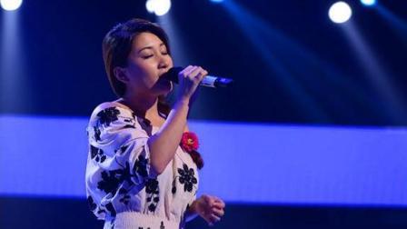 她到底唱什么歌能让评委秒转身? 网友: 这首歌真没人唱的过她!