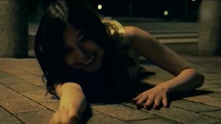 日本美女最爱晒自拍, 疯狂炫富被变态盯上, 出车