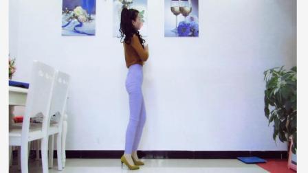 点击观看神农舞娘广场舞 妹妹不哭 简单32步广场舞视频视频