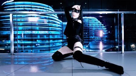 点击观看《跳舞这妹子是我女神! 二次元宅舞《一骑当千》翻跳》